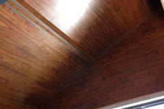 91-ламиниран-паркет-на-стени-и-тавани